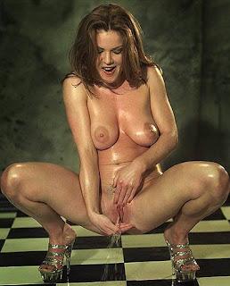 Tits bra voyer erotic