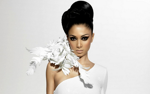 Born in Hawaii, United States: Nicole Scherzinger