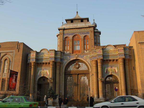 Tehran: Ibukota yang Penuh Kontras