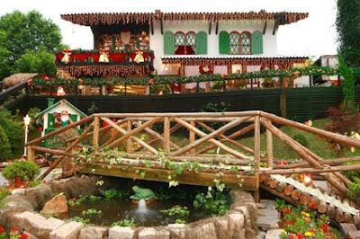 Casa+do+Papai+Noel+Dia - >Natal da Montanha em Campos do Jordão
