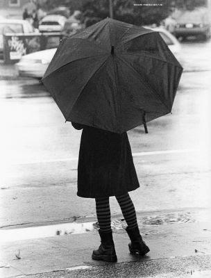 تحت المطر الرمادي ! normal_Rain_by_simbu