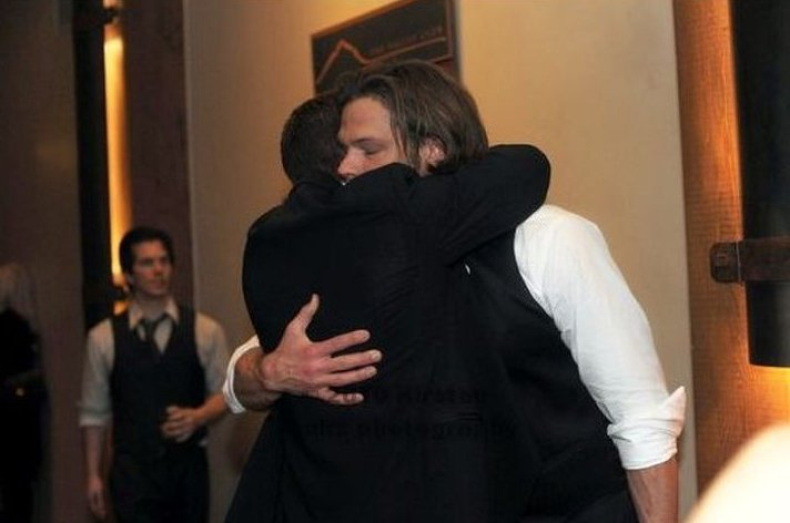 Jensen Ackles And Jared Padalecki Hug It Out