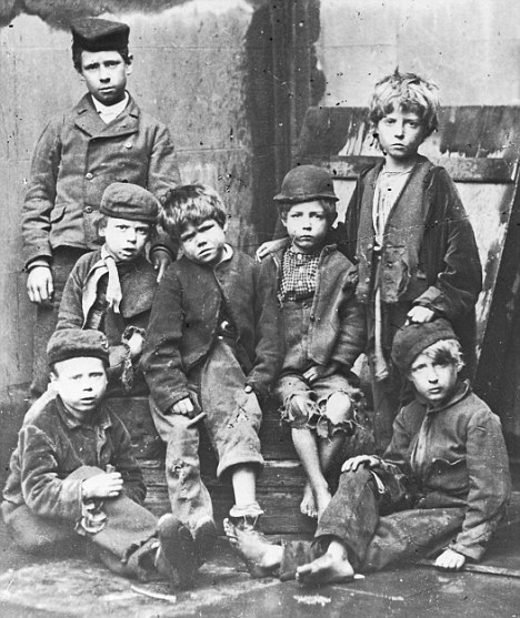 British Paintings: Childhood And Child Labour In The British