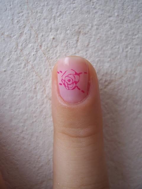 Carimbada rosa M65 Konad