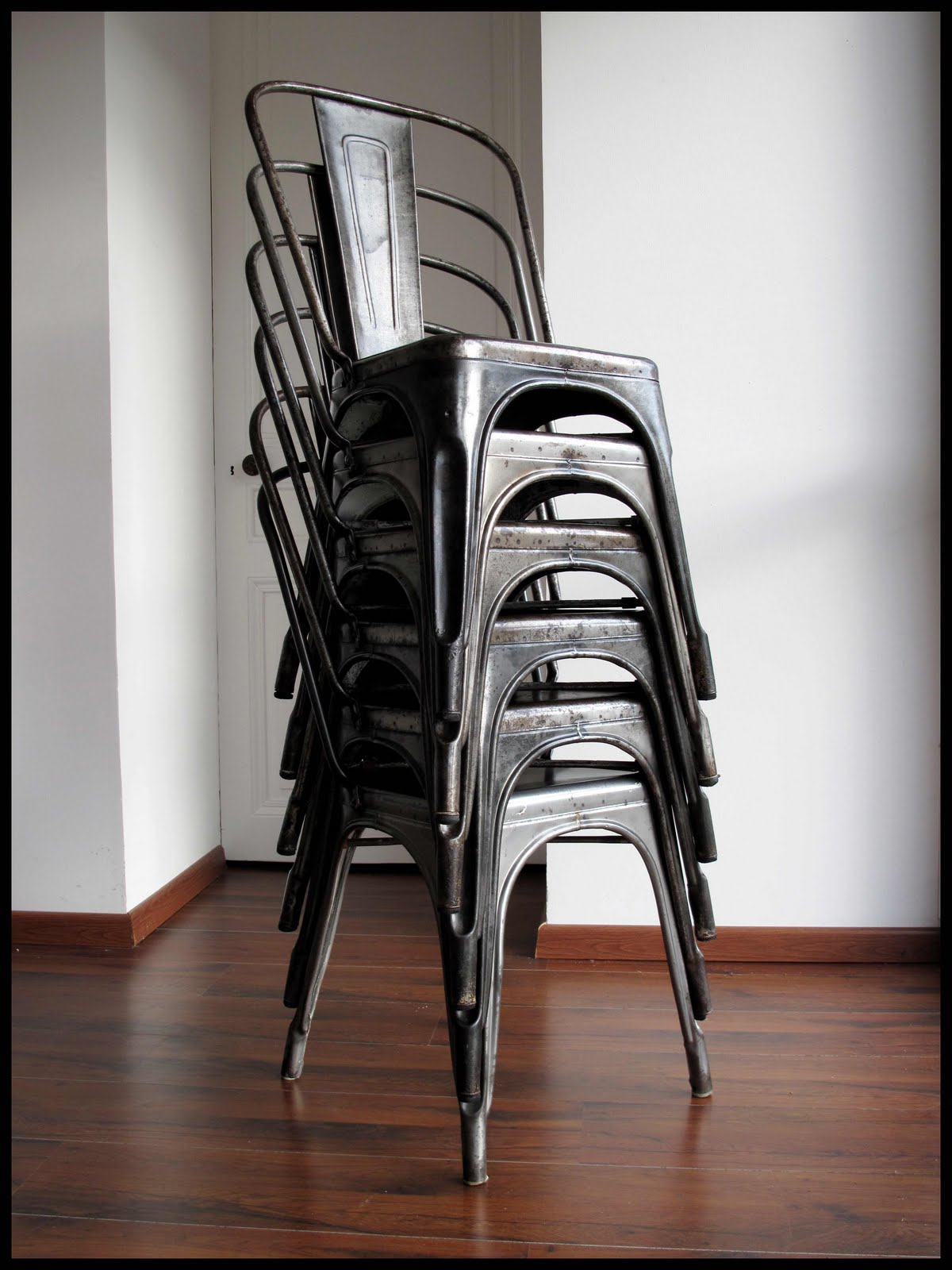Chaises Industrielles Tolix Contact Mobilierdesign20 Gmail Deco Metal Chaises Tolix A