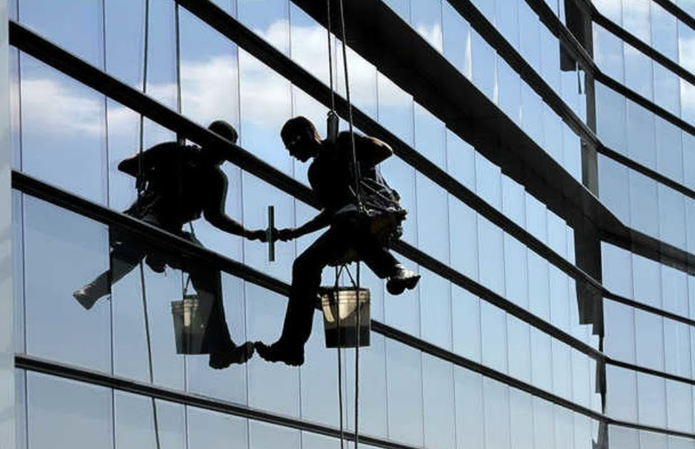 Professional Window Cleaning Services, Cleaners on the move  |Professional Window Cleaning