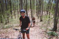 eu cu bicicleta in hardwood hills, ontario