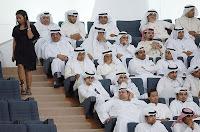 seminar arab, femeie intra