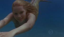 Emma nadando