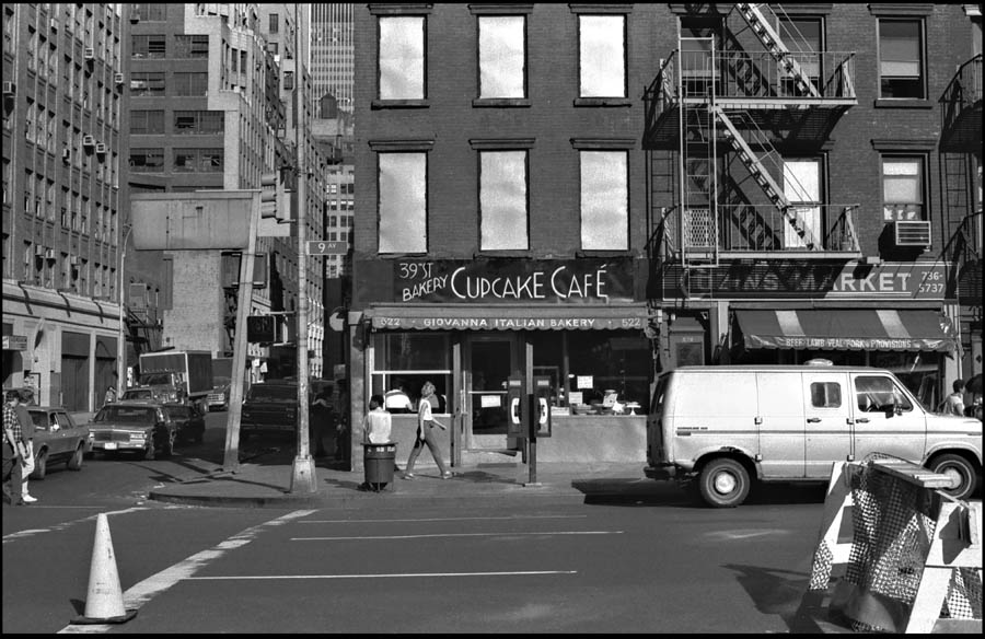 [Cupcake+Cafe+June+1988.jpg]