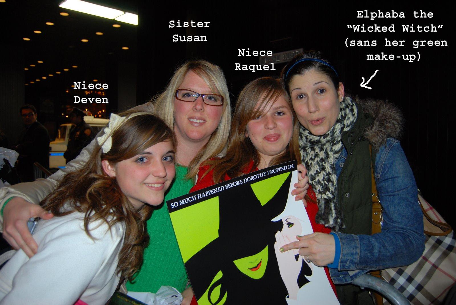 [Elphaba+and+girls.jpg]