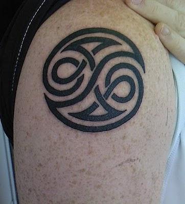 tattoos metal cool ying yang tattoos desigs. Black Bedroom Furniture Sets. Home Design Ideas