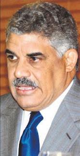 Miguel Vargas sugiere aumento general salarios