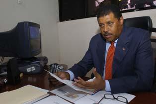 Pared Pérez critica Terrero siga en oficinas de la Cámara de Cuentas