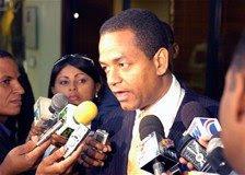 Presidente de Diputados llama a la sociedad a debatir reducción número de congresistas