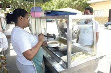 Precios de servicios de comida siguen en alza