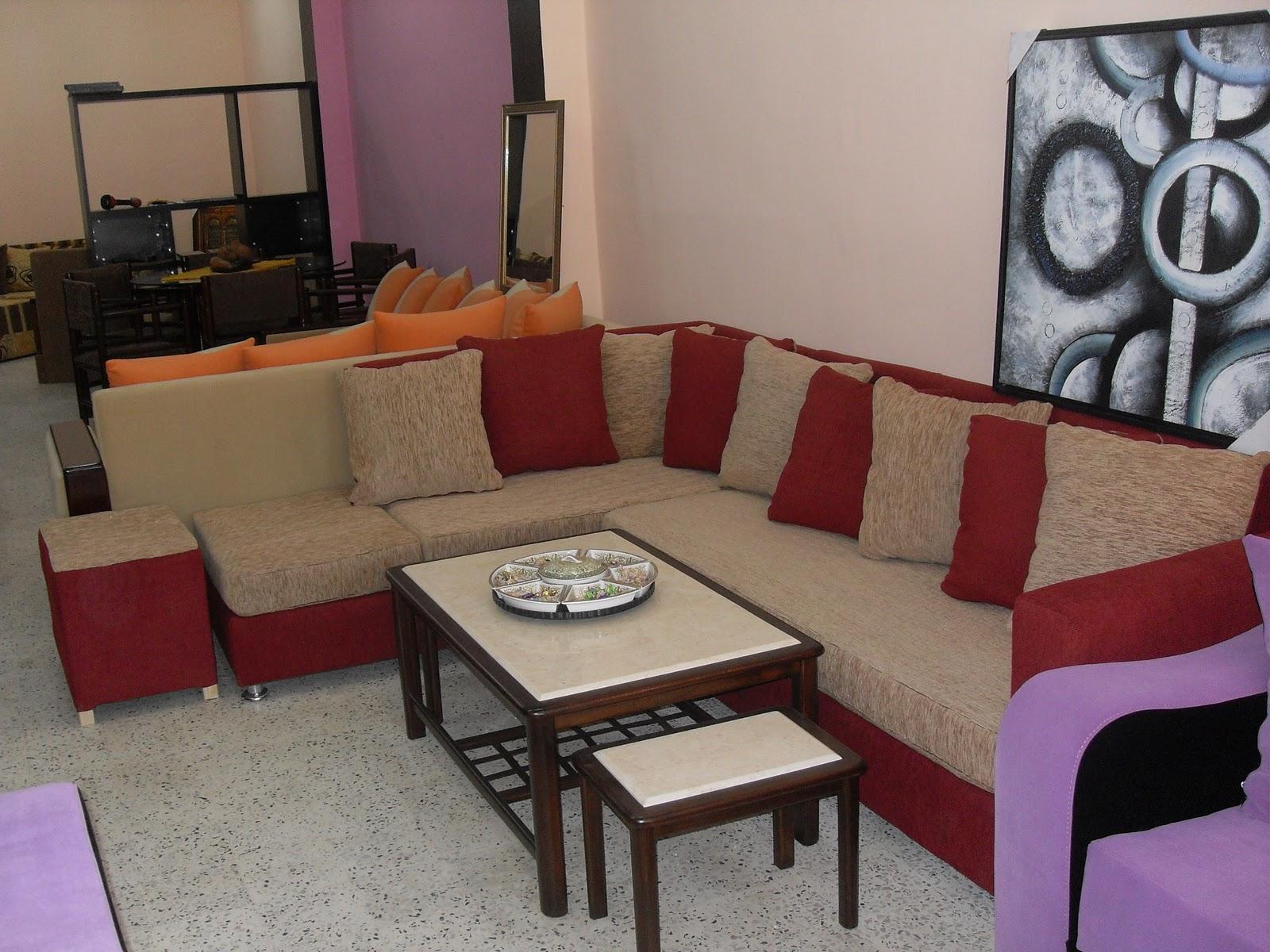 salon beige et noir fabulous salon bois et noir tapis salon bois id es sur le thme salons salon. Black Bedroom Furniture Sets. Home Design Ideas