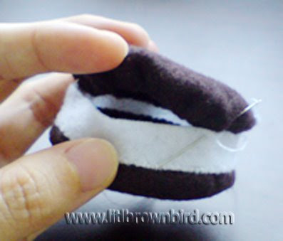 Step9 - Biscoito Oreo de feltro