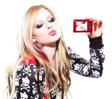 https://i1.wp.com/1.bp.blogspot.com/_dj4DfscbRTA/Se8FeiLh9wI/AAAAAAAAC3k/AZbH-R0QtIM/s400/Avril+Lavigne+Canon+Photoshoot+3.jpg