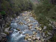 Erosão fluvial
