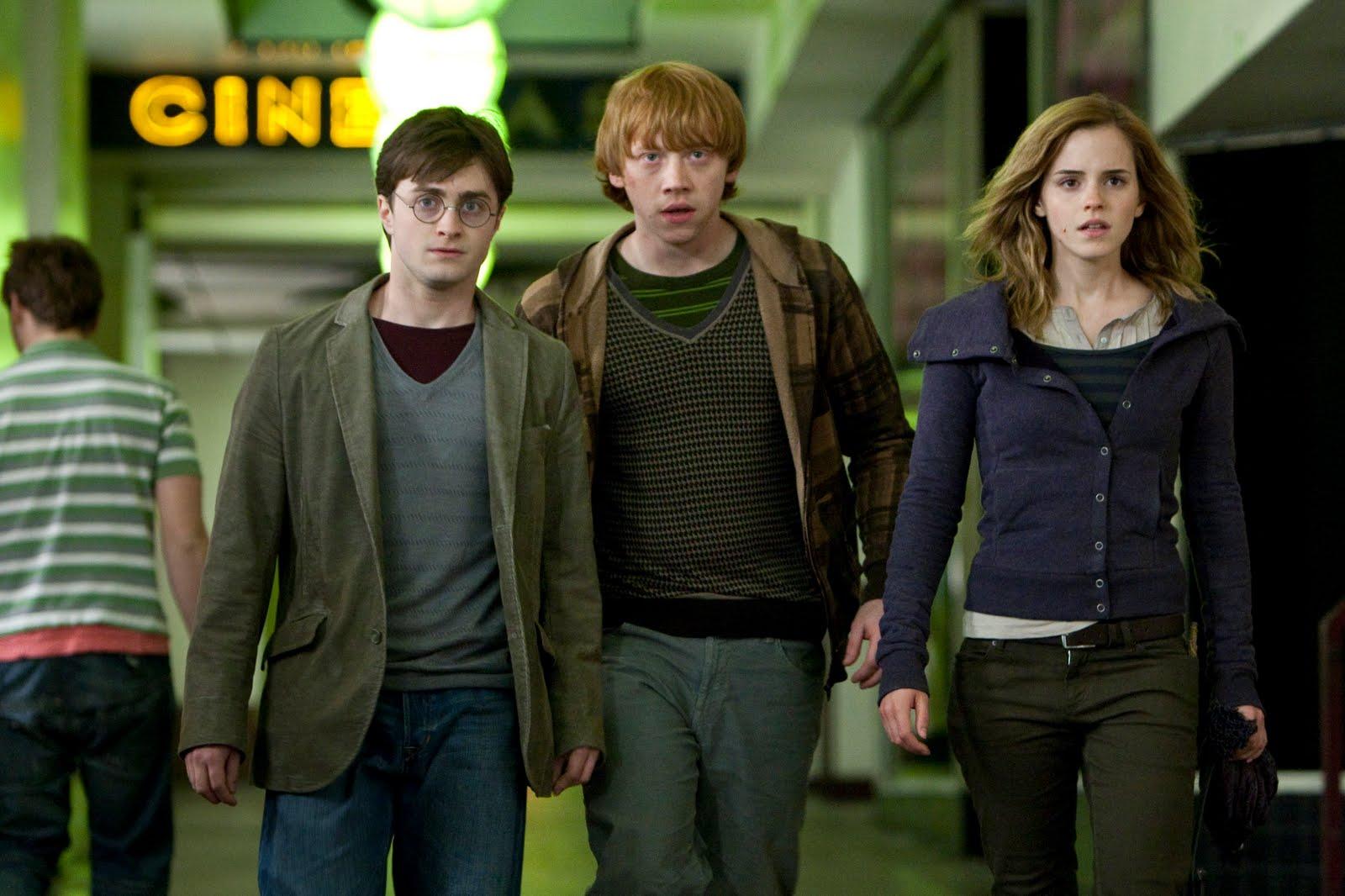 Fotogramas Y Palabras Harry Potter Y Las Reliquias De La Muerte Parte 1 Un Extenso Viaje