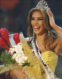Miss Venezuela wins Miss Universe 2008 Award