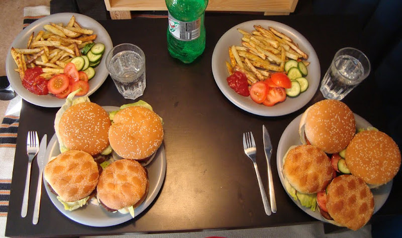 Hamburguers and Fries