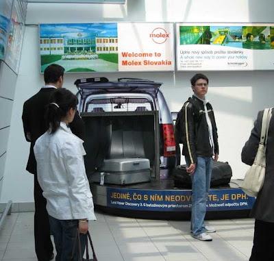 Publicidad hasta en las cintas de recogida de equipajes