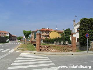 L'alcalde de PLF assegura que potser no va ser encertat fer un calaix de formigó a la riera de la Burgada de PLF.