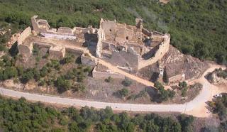 Un any després de les promeses del govern català de treballar pel manteniment del Castell de PLF, encara no s'ha fet res.