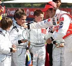 Un Palafollenc de 9 anys, Pedro Hiltbrand, va guanyar ahir la carrera de Karts en presència de Fernando Alonso.