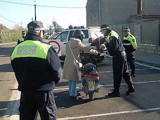 Des d'ahir la Policia local de PLF controla que les motocicletes i cilomotors compleixin la normativa.