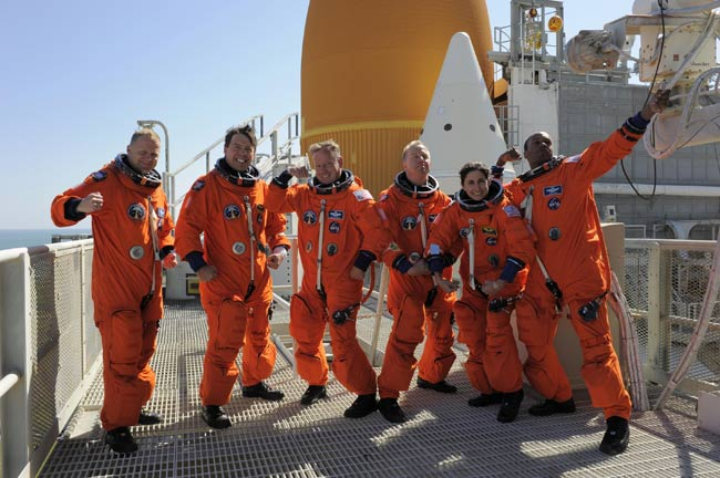 space shuttle discovery crew - photo #22