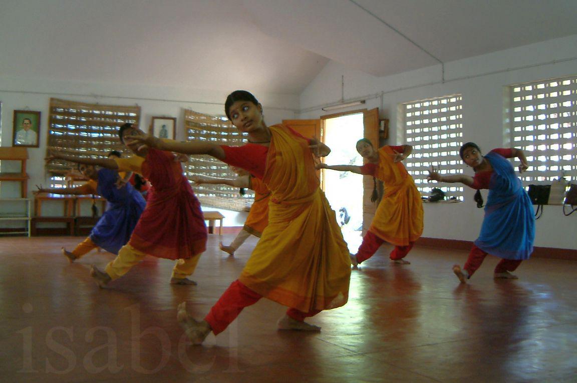 What Degrees Is It Outside >> India Outside My Window: Photo essay: Kalakshetra