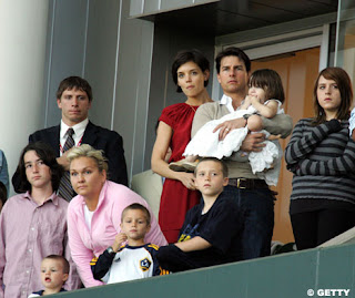 Cruz  Katie Holmes on Tom Katie Suri Isabella Cruz Brooklyn And Romeo Jpg