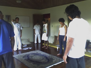Mais asanas com Radha Natha em NG