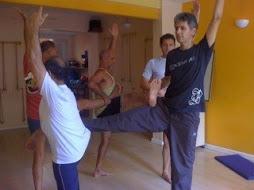 Equilibrio em grupo, no Leblon, RJ
