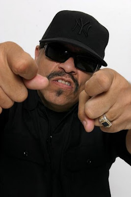 Rapper Ice-T trabalhando com novato do Brooklyn