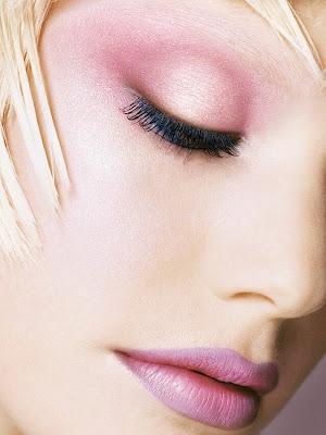 عکس زیبا از دختری با آرایش زیبا و سبک