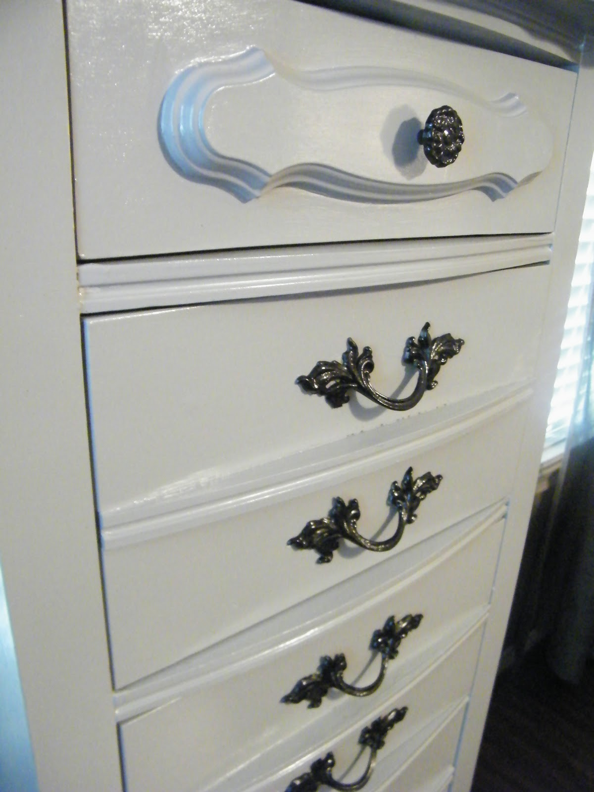 The Vintage Bench: Jewerly/Lingerie Chest Complete!!