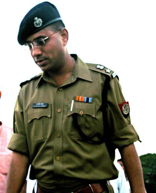 BEAR STRATEGY: Indian Policeman
