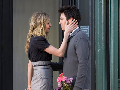 How I Met Your Mother - Sarah Chalke as Stella and Josh Radner as Ted Mosby
