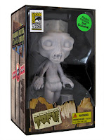 Tofu, the Vegan Zombie - All White San Diego Comic Con 2008 Exclusive In Package