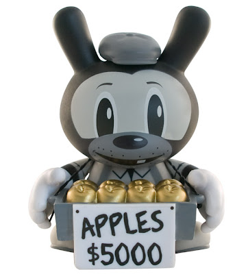 Kidrobot Dunny Series 2010 - Mystery Chase $5,000 Gold Apple Dunny by Frank Kozik