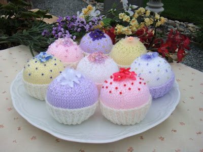 Free Little Knitted Cupcake Pattern