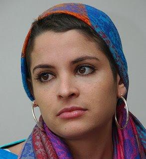 daniela bascope venezuela actriz fotos chavez - Daniela Bascop� venci� al Cancer. Agradece a Chavez