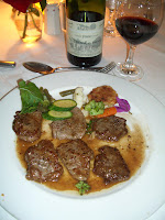Beef Mignons and L'Auberge du Paysan Pinotage house wine