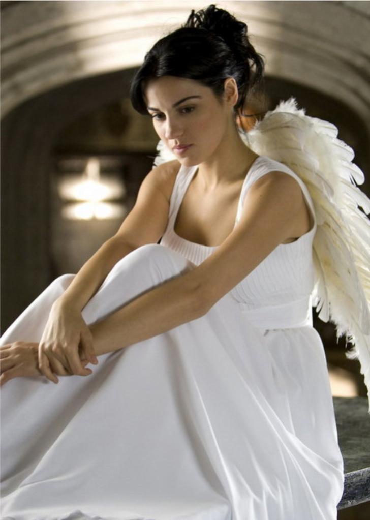 http://1.bp.blogspot.com/_eW3s2uQJgHc/S7WXqrGfAvI/AAAAAAAAAC0/gPCdCkCPrKY/s1600/Maite-Marichuy-cuidado-con-el-angel-1692334-728-1023.jpg