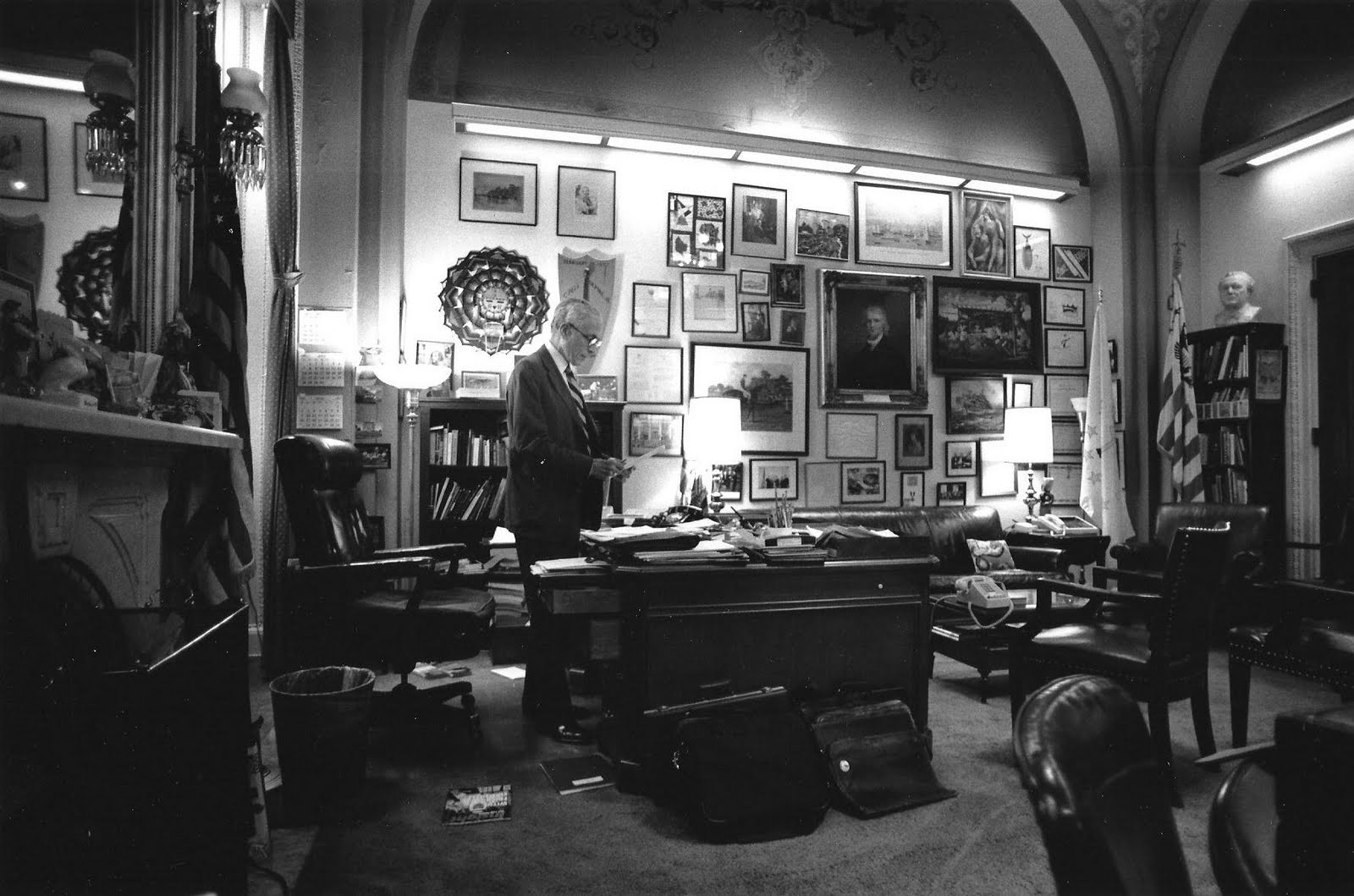 Pell Loved His Hideaway Office In The U S Capitol There He Was Surrounded By Books And Photographs Paintings Of Father Family Members