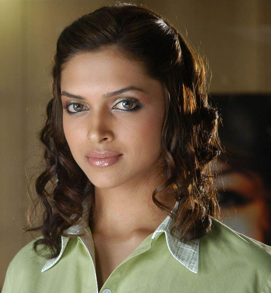 All Stars Photos: Deepika Padukone Rajnikanth might be ...
